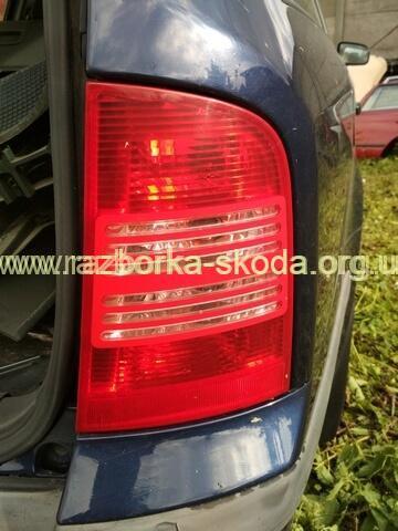 1U9945096 VAG фонарь задний правый универсал б/у Skoda Octavia Tour