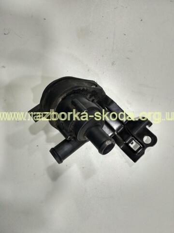 1K0965561 VAG дополнительная водяная помпа Skoda Octavia A5