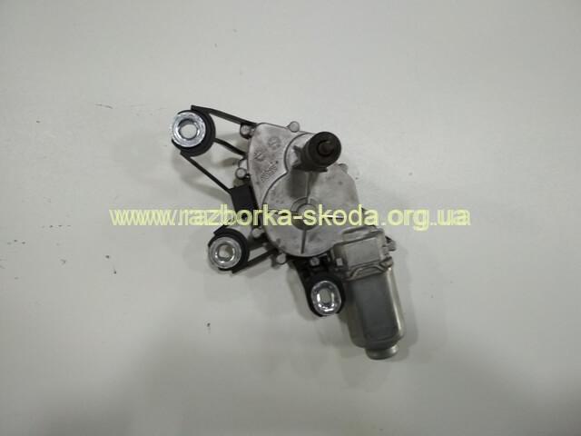 5J9955711A моторчик стеклоочистителя универсала Skoda Fabia New
