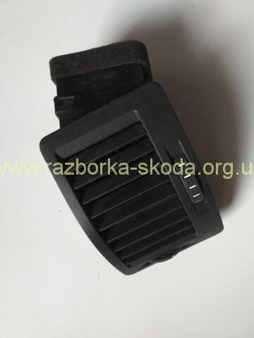 1Z0819701 Дефлектор воздушный б/у Шкода Октавия А5