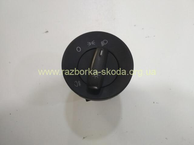 1Z0941431B Переключатель света фар б/у Skoda Ocktavia A5