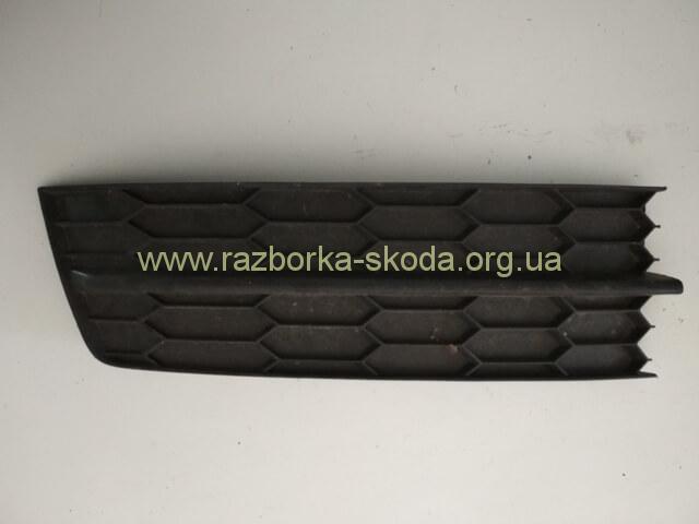 5JA807368 решетка переднего бампера правая б/у Шкода Рапид