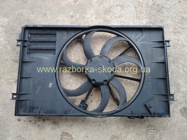 1K0121205AG Диффузор вентилятора б/у Шкода Октавия А5