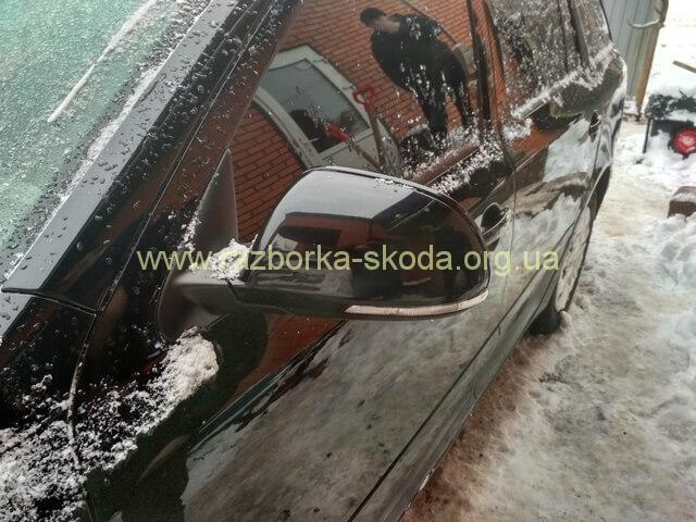 Зеркало левое с автоскладыванием и подсветкой б/у Шкода Октавия А5 FL